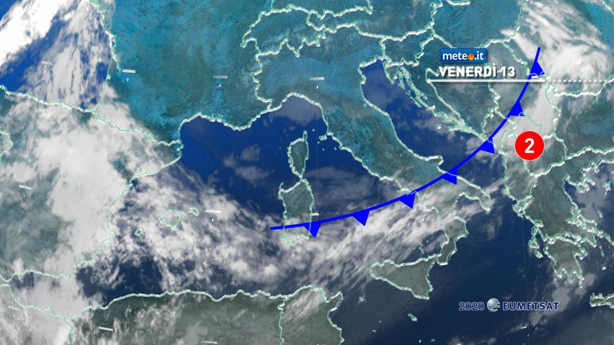 Meteo, venerdì 13 novembre molte nuvole con poche piogge