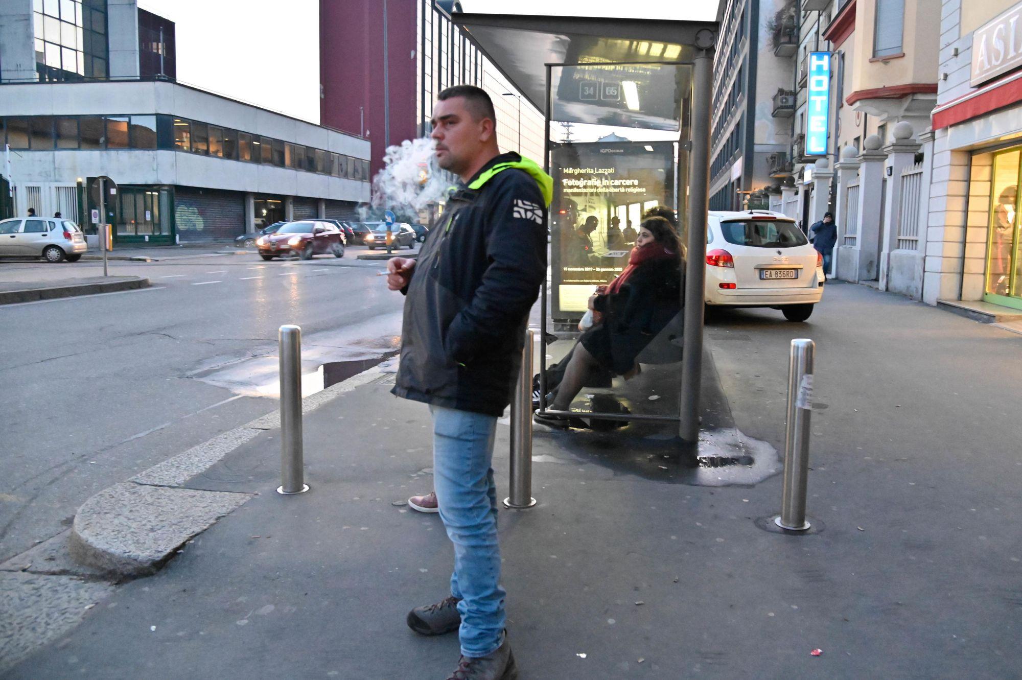 Da inizio anno a Milano è (quasi) vietato fumare all'aperto