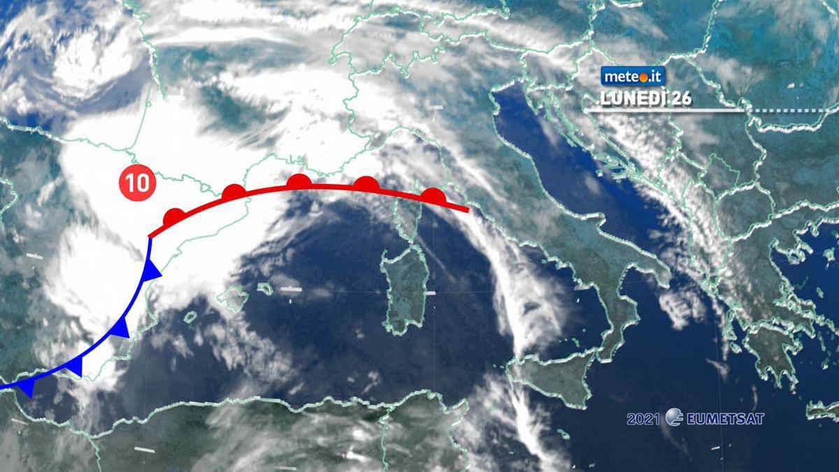 Meteo 26 aprile, nuova perturbazione sull'Italia: nel mirino il Centro-Nord